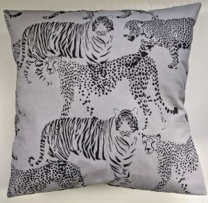 "16"" Cushion Cover in Grey Big Cats"